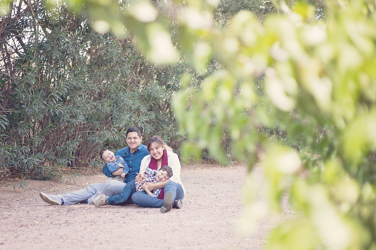 Family Photo by Family Photographer Plume Designs & Photography in Scottsdale, Arizona