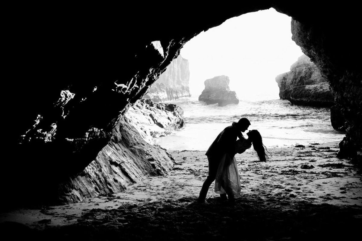Northern california portrait of bride and groom, engagement session photoshoot on beach deneffe studios