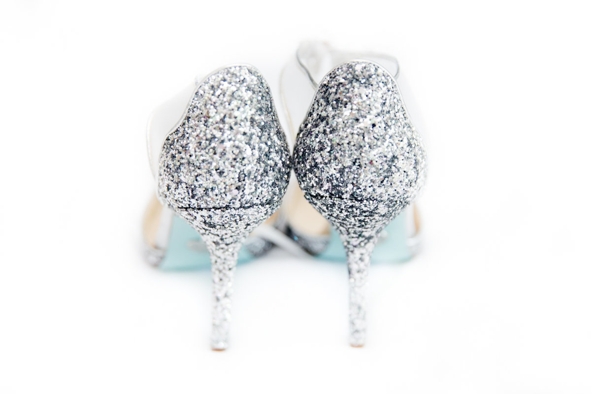 Ottawa-Wedding-Photographer-sparkly-wedding-shoes-photo-2
