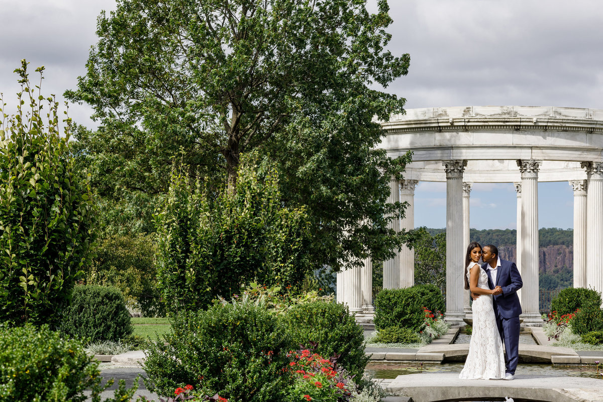 Untermyer_Gardens_Conservancy_EngagementSession_AmyAnaiz_001