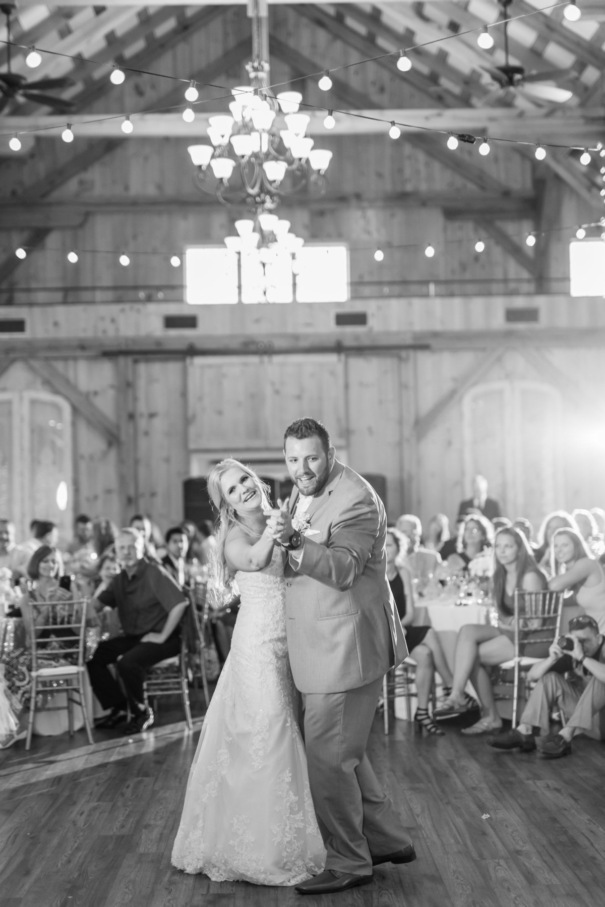shadow-creek-northern-virginia-blush-southern-barn-wedding-by-norfolk-photographer-photo386