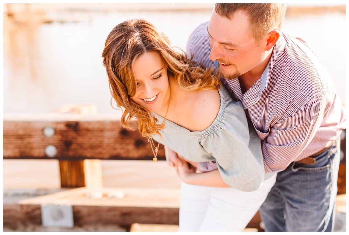 family-farm-golden-hour-engagement-session-inspo-brooke-michelle-photography_1970