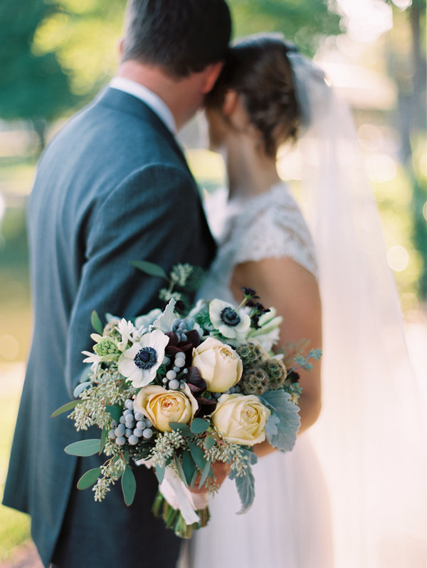 gray-wedding-organic-flowers