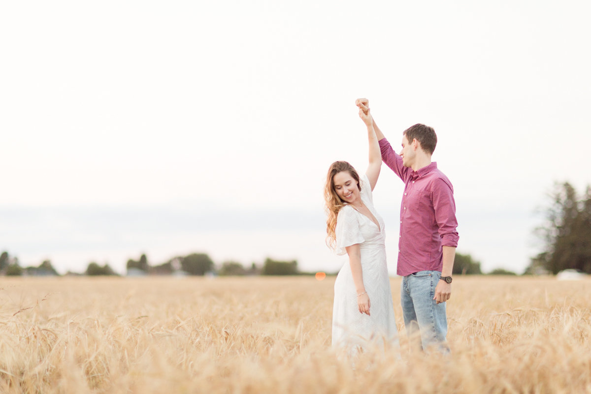 Ottawa-Wedding-Photographer-engagement-session-experimental-farm-ottawa-9