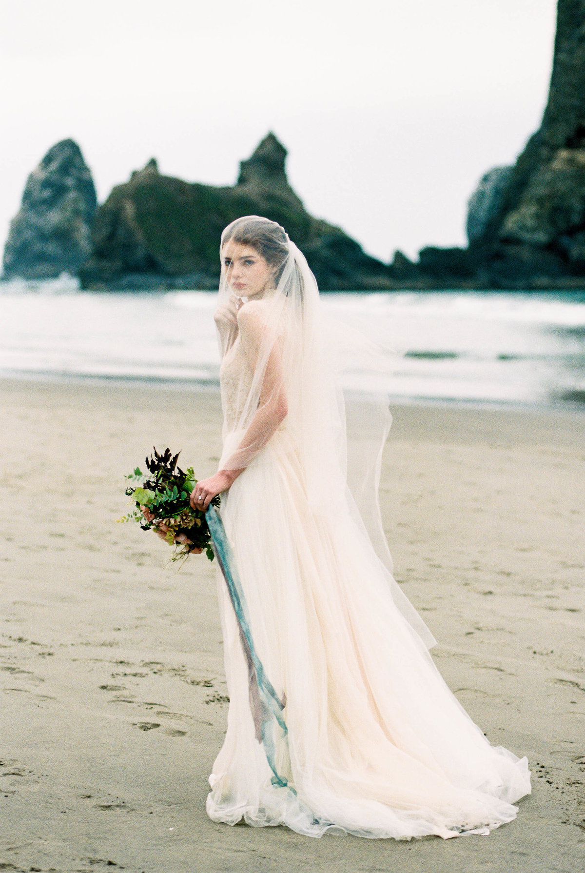 Cannon-Beach-Bridal-Editorial-Georgia-Ruth-Photography-3