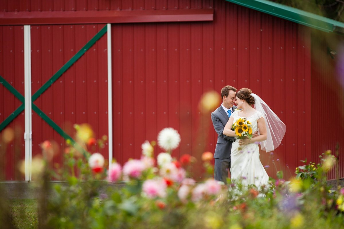 souther-wedding-in-flower-farm
