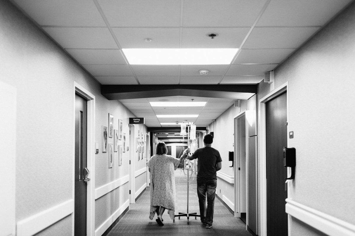 mom in labor walking the halls at St Luke's Hospital in Chesterfield