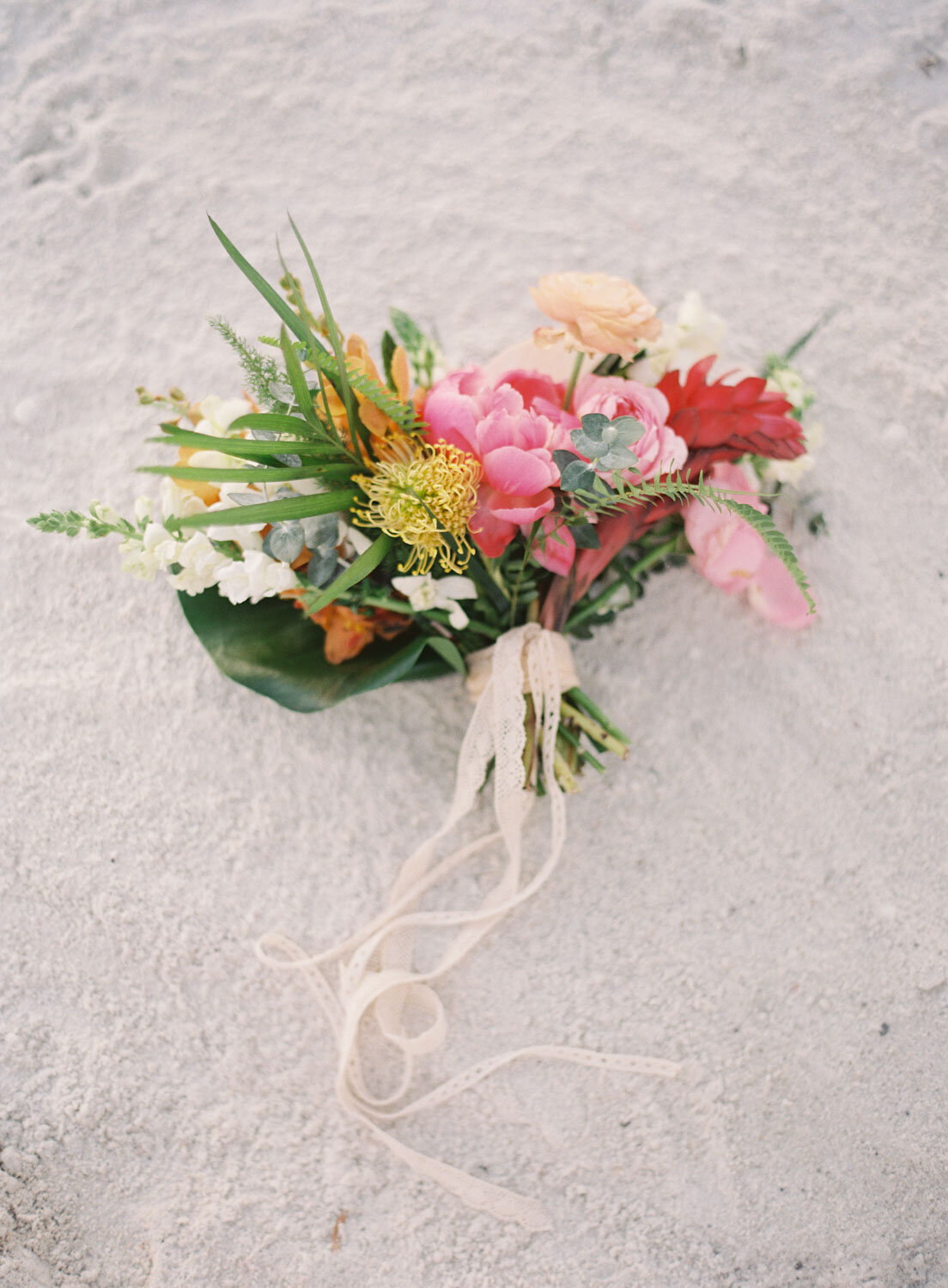 elegant-bohemian-tropical-december-destination-wedding-melanie-gabrielle-photography-martha-stewart-submission-048