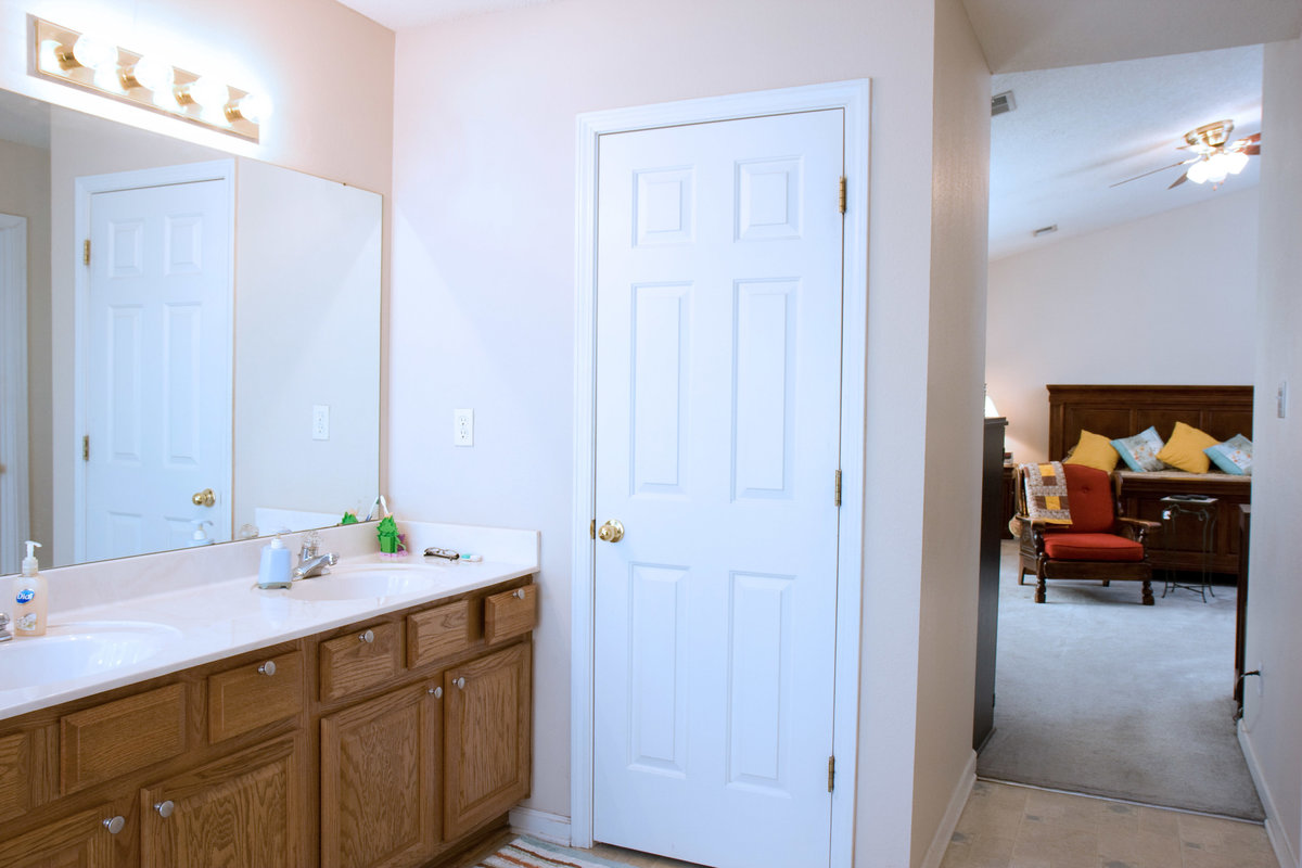 Real Estate Master Bath to Master Bedroom