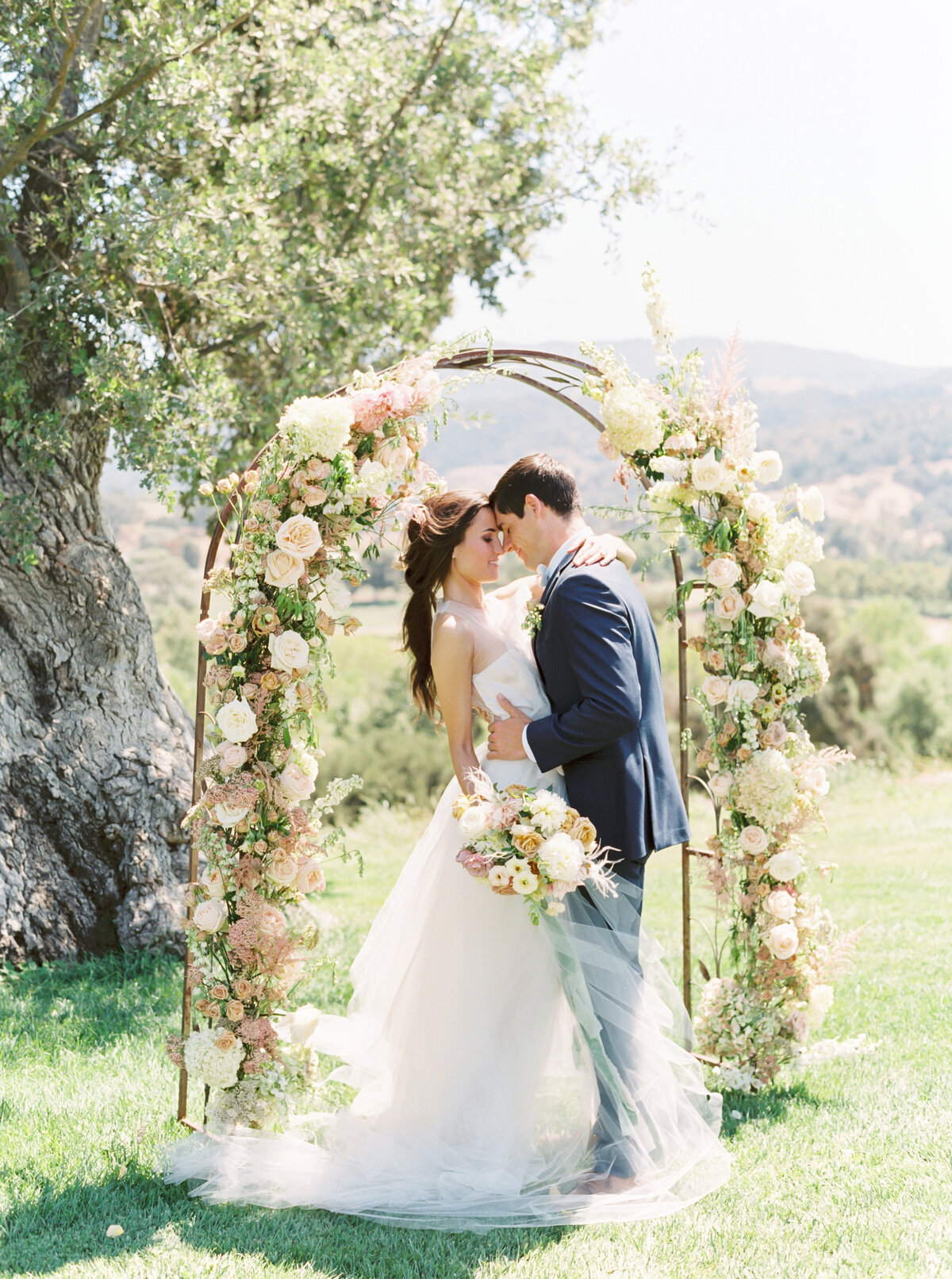 TiffaneyChildsPhotography-CaliforniaWeddingPhotographer-Clara+Alexandre-SunstoneVilla-277