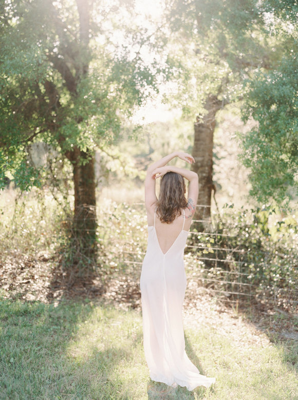 organic-outdoor-boudoir-inspiration-gossamer-gathered-melanie-gabrielle-photography-093