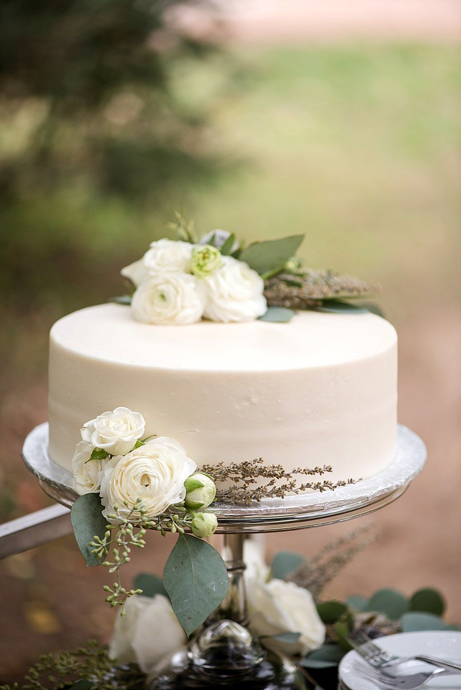process-workshop-elegant-simple-ivory-1tier-cake