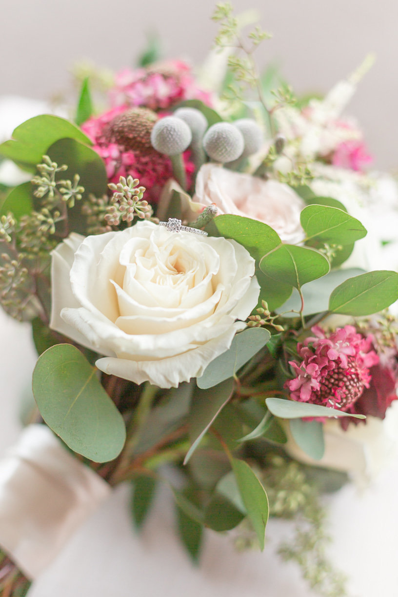 detail photo of bridal bouquet | Toni Goodie Photography