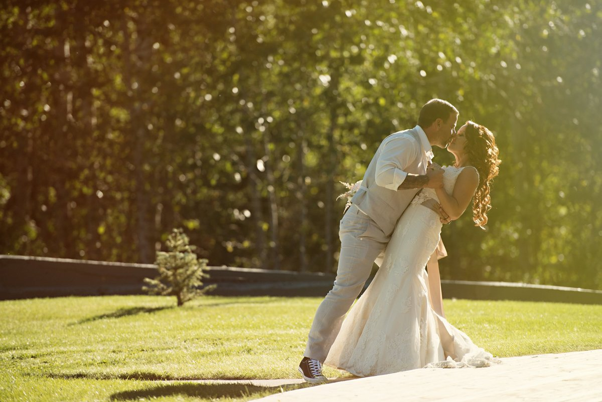 calgary-wedding-photographer-azuridge-estate-hotel-218