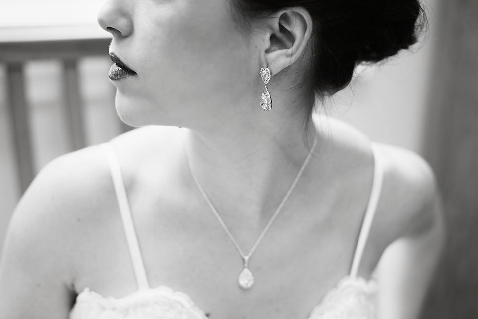 bride_earring_necklace_details