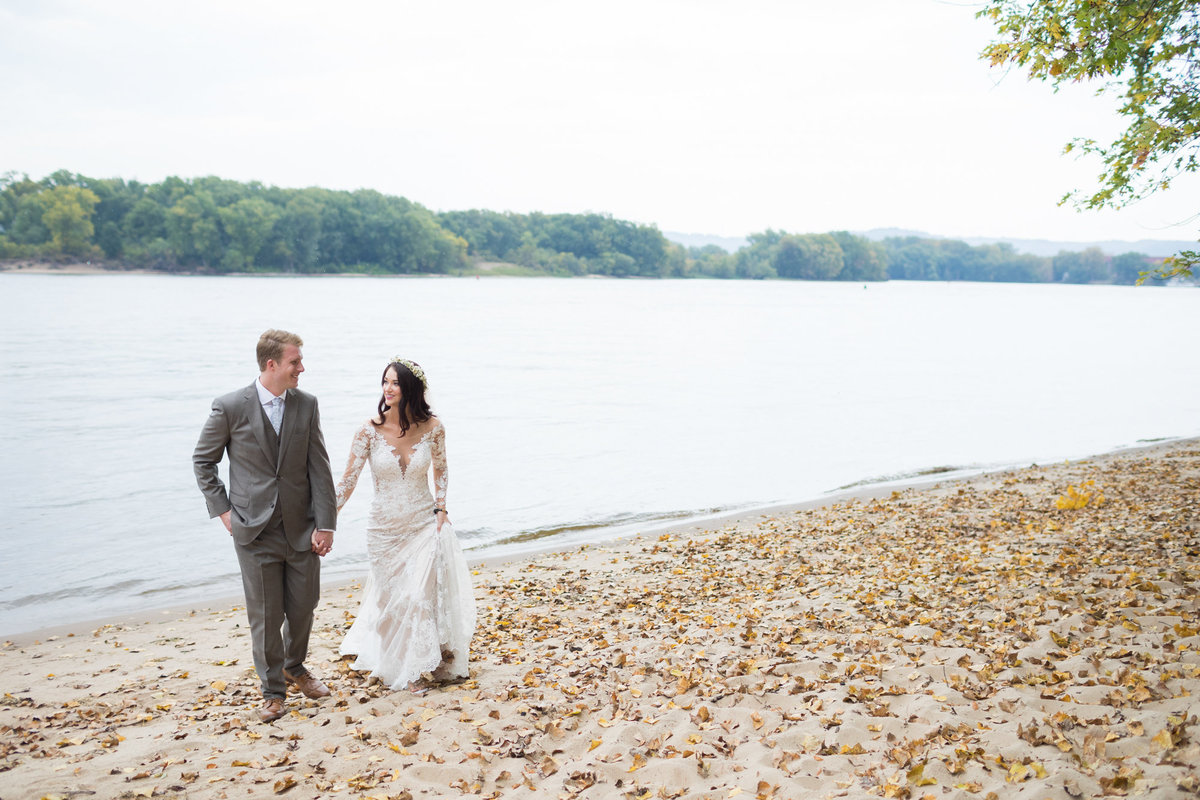 The shores of the Mississippi were a great backdrop for a reveal on a wedding day