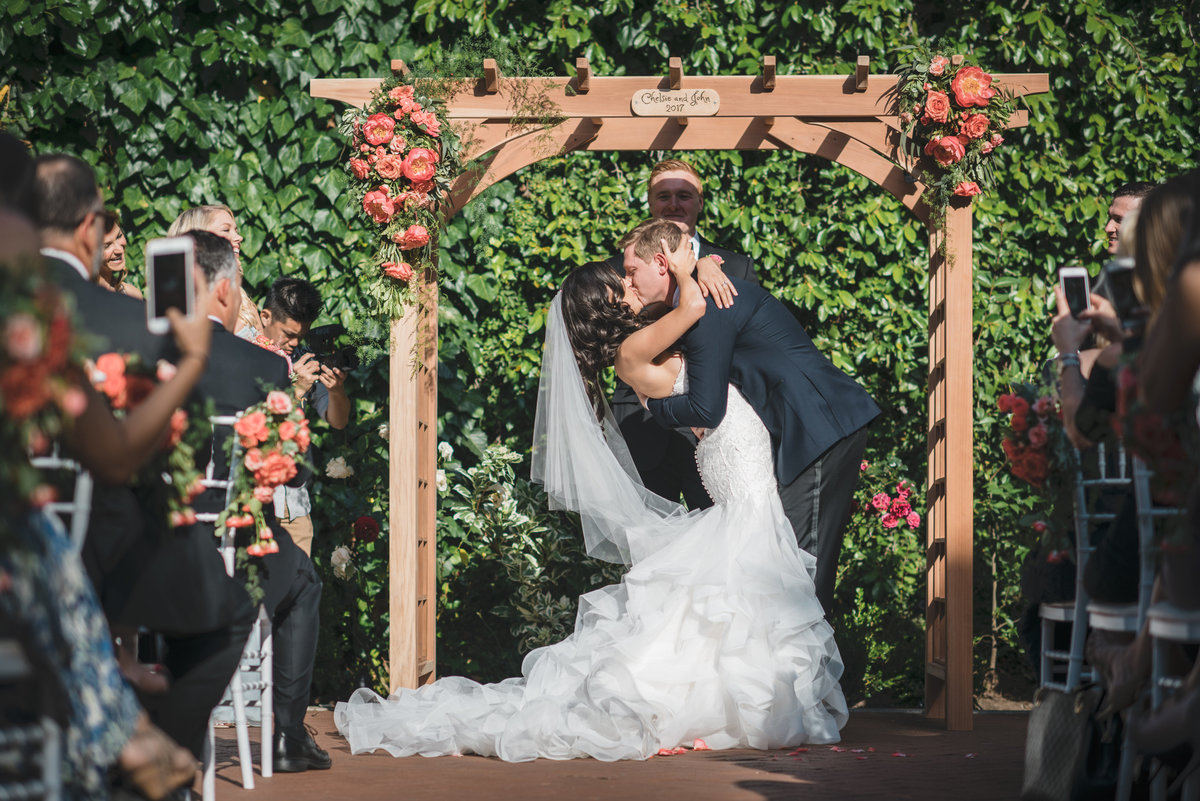 Newly Married Couple Vizcaya Downtown Sacramento Wedding