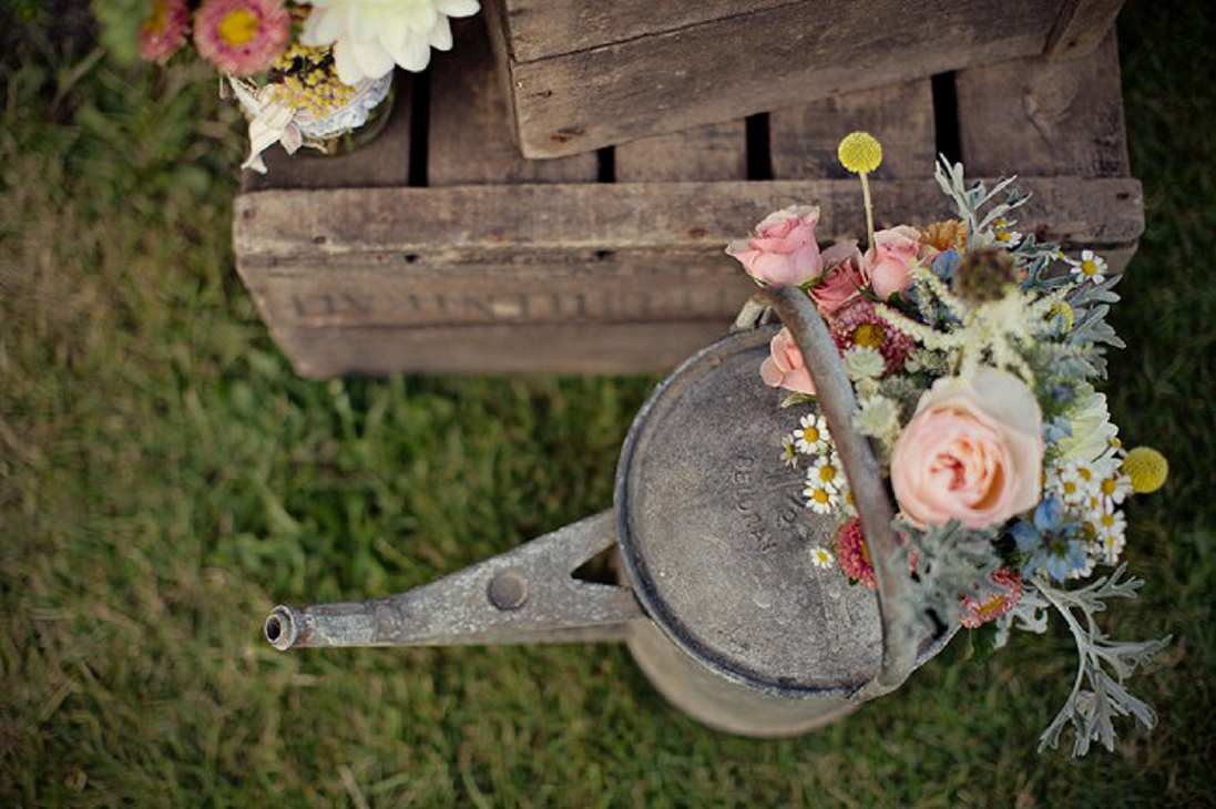 marianne_taylor_creative_barn_wedding_reportage_fine_art_photography_117_mini