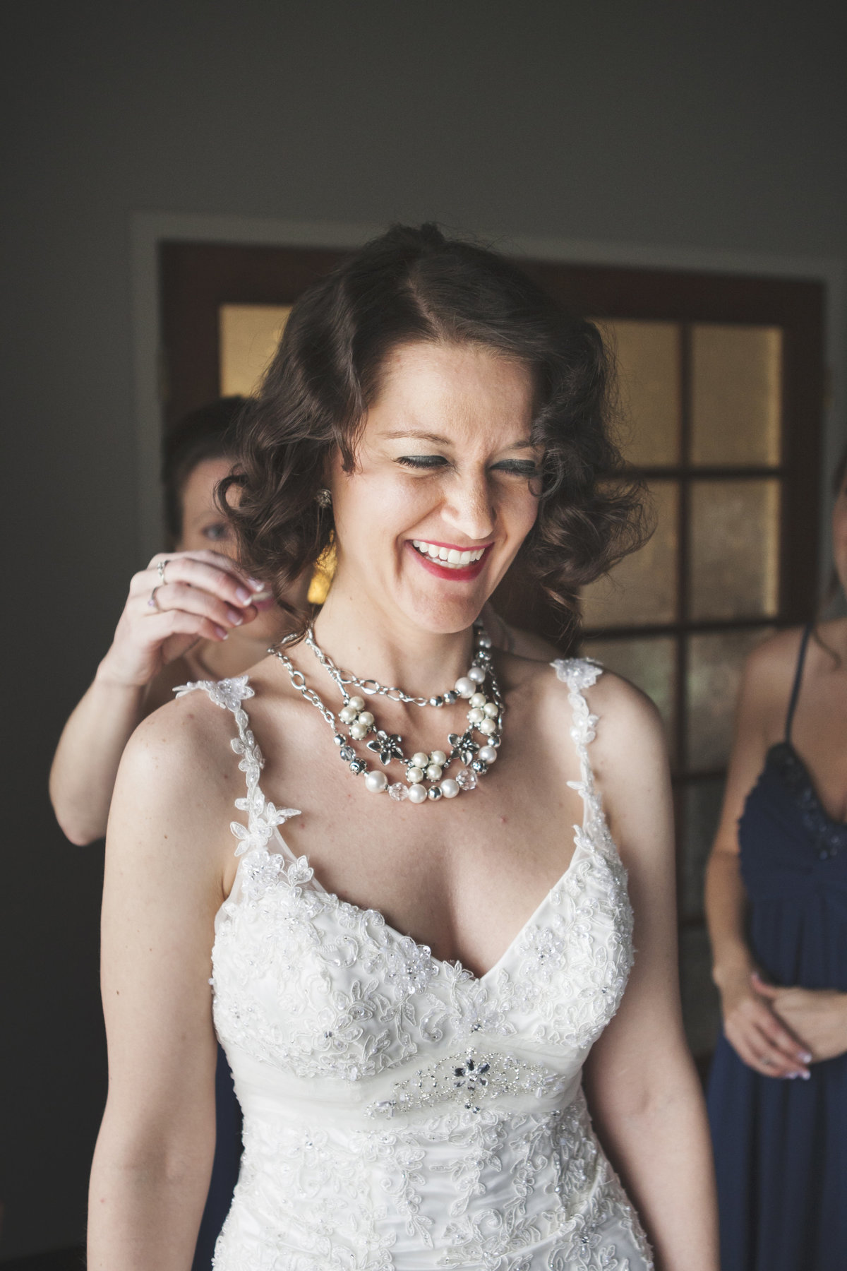 Elegant wedding getting ready by Casi Lea Photography-green bay wedding photographer-door county wedding photographer-milwaukee wedding photographer-appleton wedding photographer-wisconsin weddings