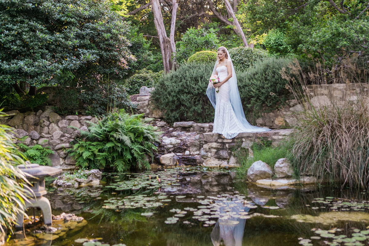 Austin Family Photographer, Tiffany Chapman, bride by pond