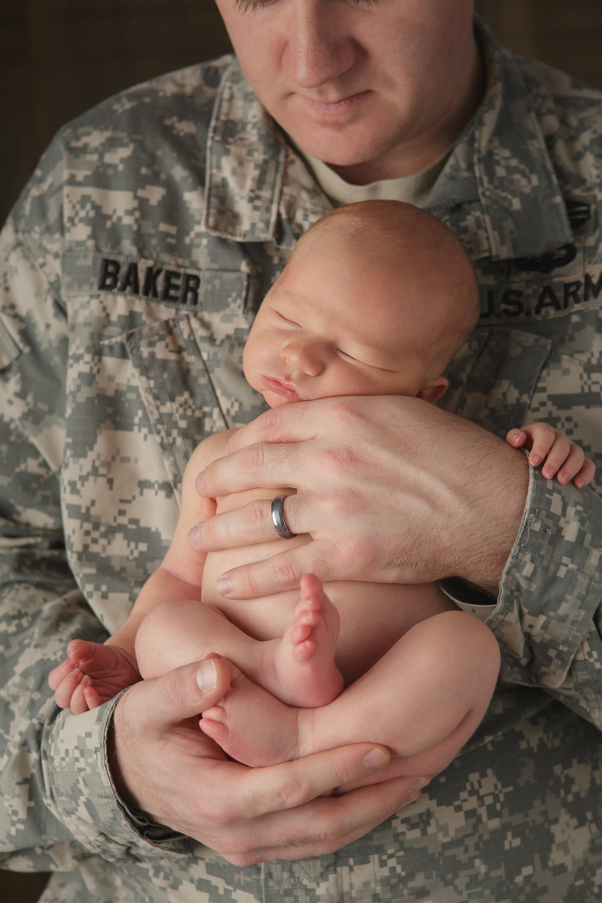 west point ny dad and baby hudson valley army newborn baby photography professional photographer Cornwall NY photo studio