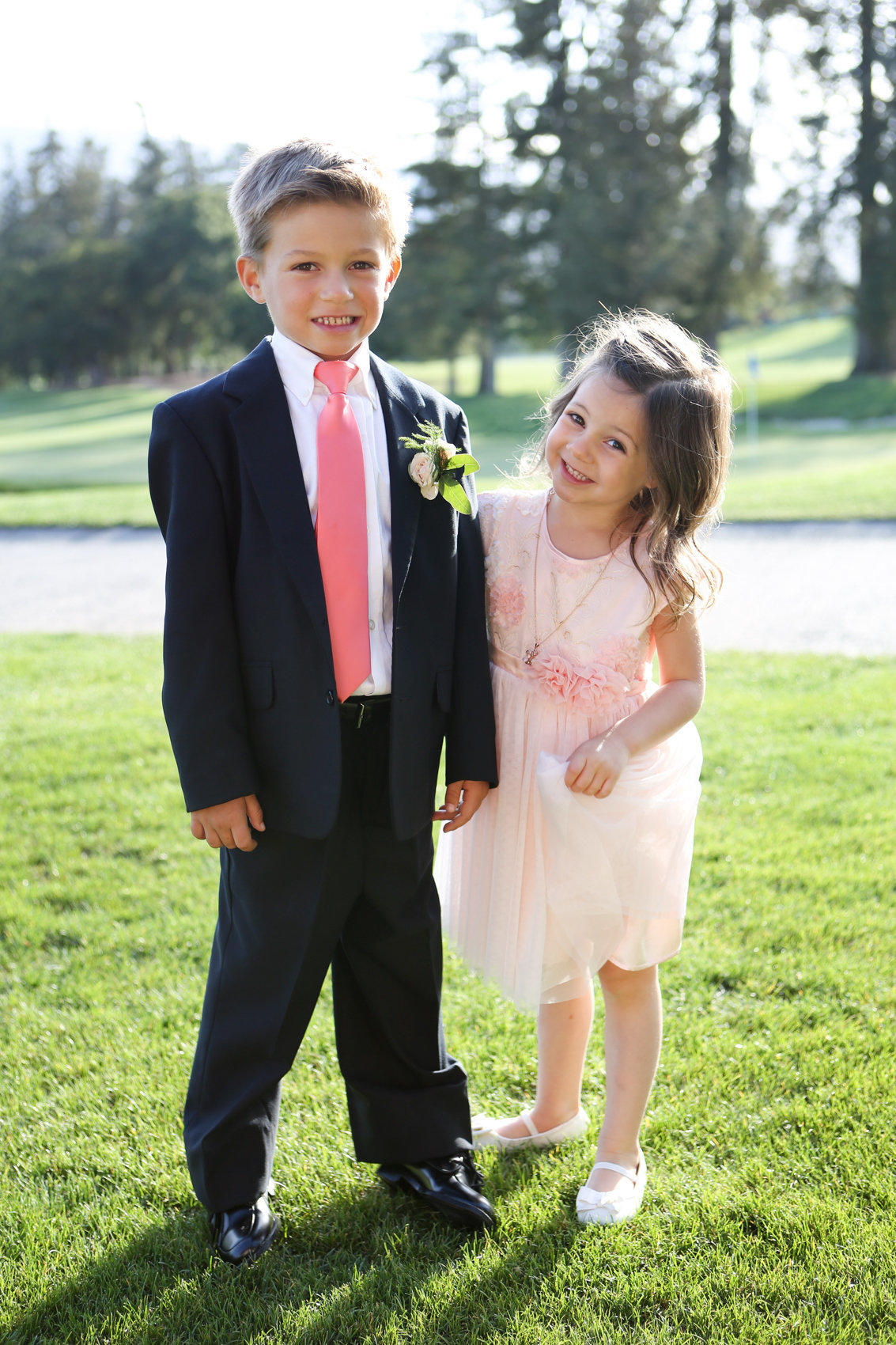 Deneffe studios wedding in northern california, portraits of children in wedding