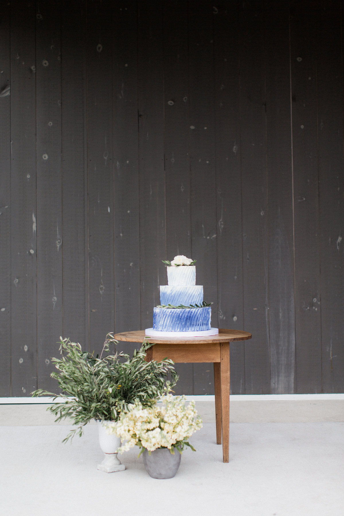 31_blue_ombre_wedding_cake_olive_branch