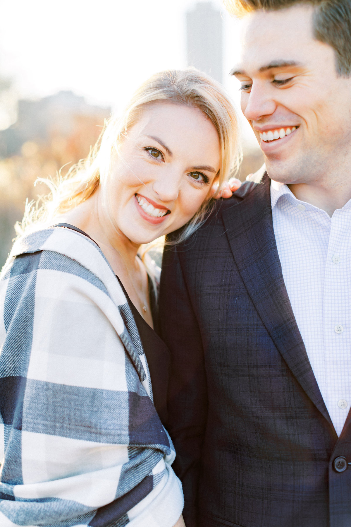 TiffaneyChildsPhotography-ChicagoWeddingPhotographer-AnneMarie+Connor-LincolnParkNatureBoardwalkEngagementSession-160