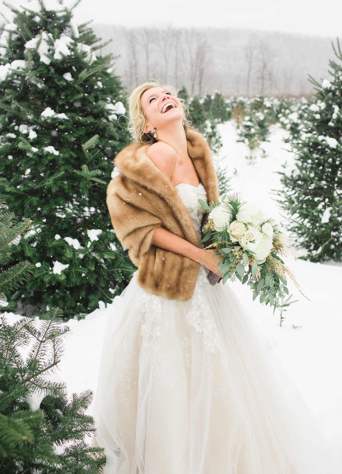 SnowyWedding-LaurenFairPhotography-MS01-24