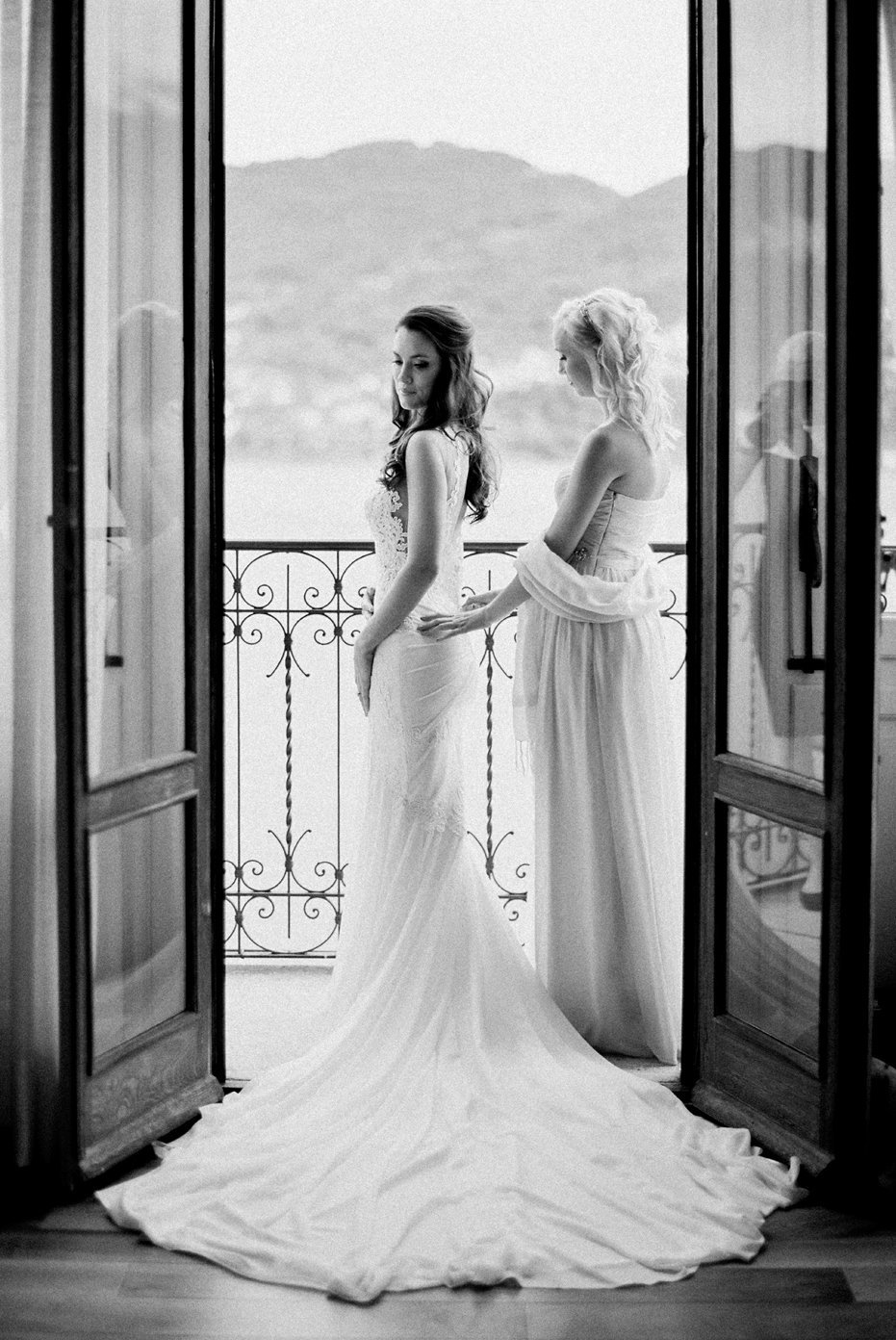 lake_como_italy_villa_balbianello_destination_wedding_melanie_gabrielle_017