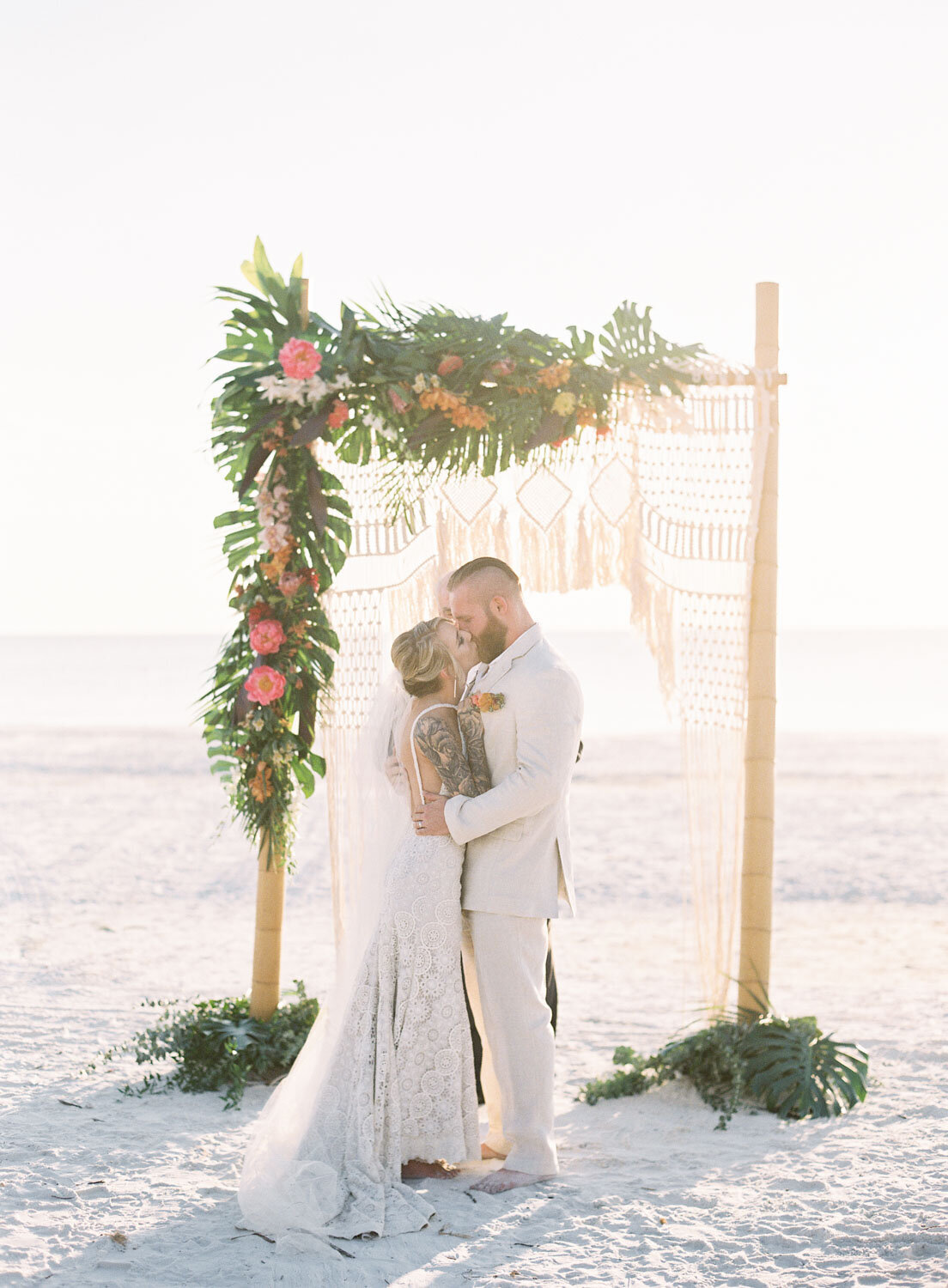 elegant-bohemian-tropical-december-destination-wedding-melanie-gabrielle-photography-martha-stewart-submission-040