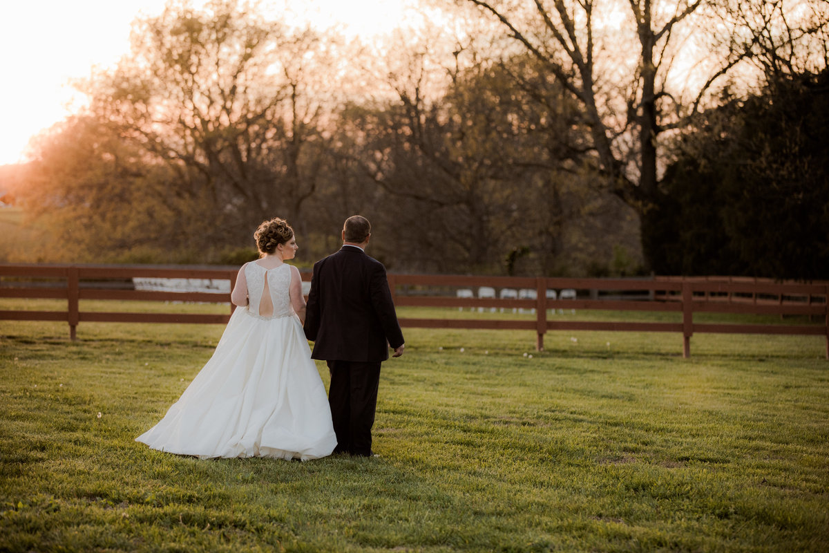 Backyard Wedding - Springfield TN - SPringfield TN Weddings - Outdoor Wedding - Nashville Wedding - Nashville Brides - Nashville Bride027