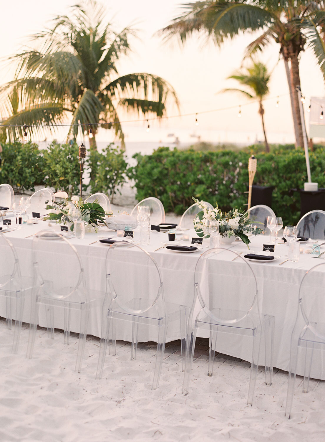 elegant-bohemian-tropical-december-destination-wedding-melanie-gabrielle-photography-martha-stewart-submission-017