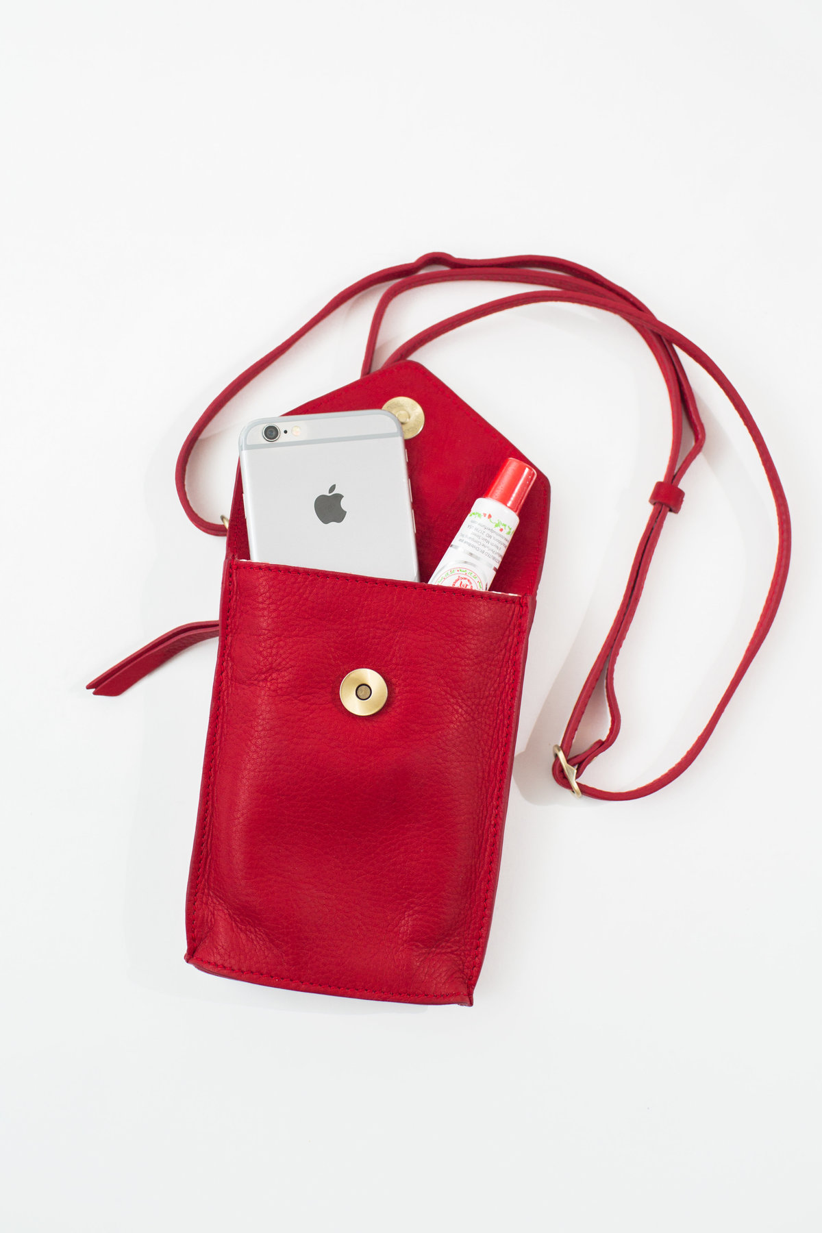 commercial product photographer modern purse bags fair trade nebraska studio
