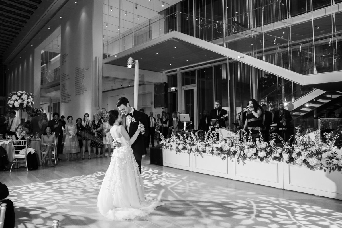 Art Institute of Chicago Wedding in Griffin Court_116