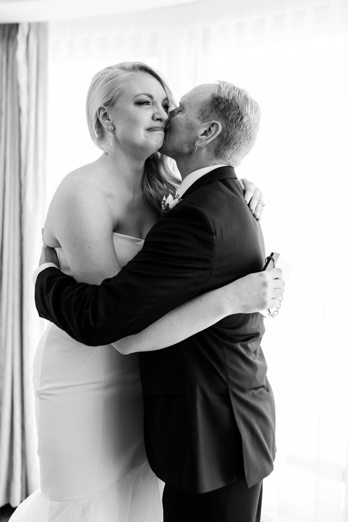 Maison Meredith Photography Wisconsin Wedding Photographer Real Wedding Three 018