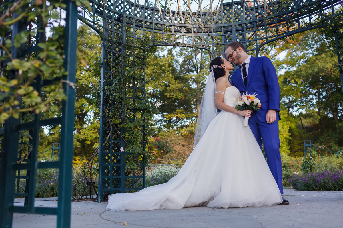 AmyAnaiz_Bronx_Botanical_Gardens_Wedding_New_York_025