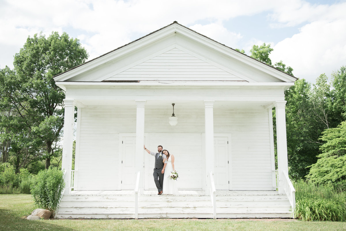 Hawthorn Hollow Kenosha Wedding Photo by Michelle Kujawski Photography
