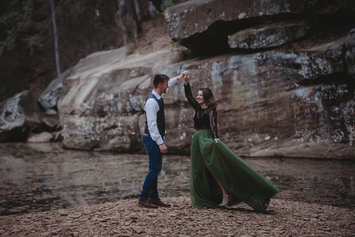 bellsmith springs shawnee national forest southern illinois engagement photos wedding