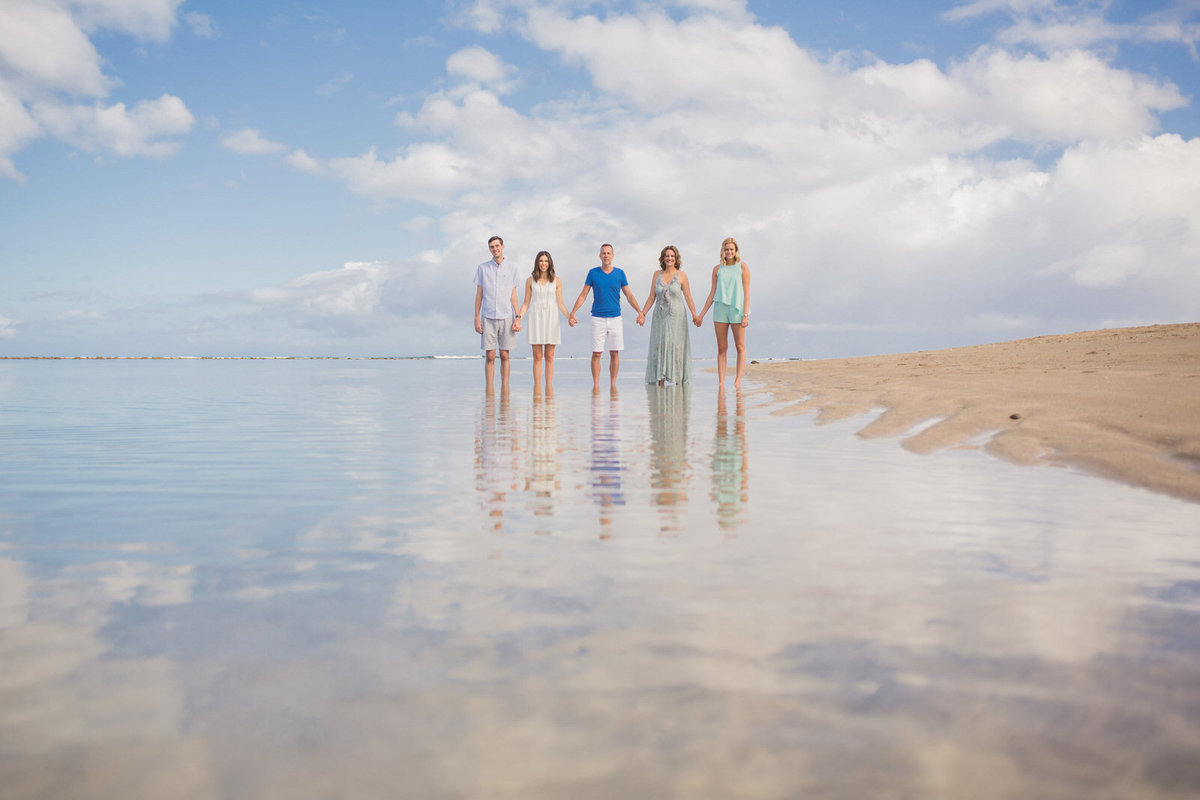 Family portrait photographers in Hawaii