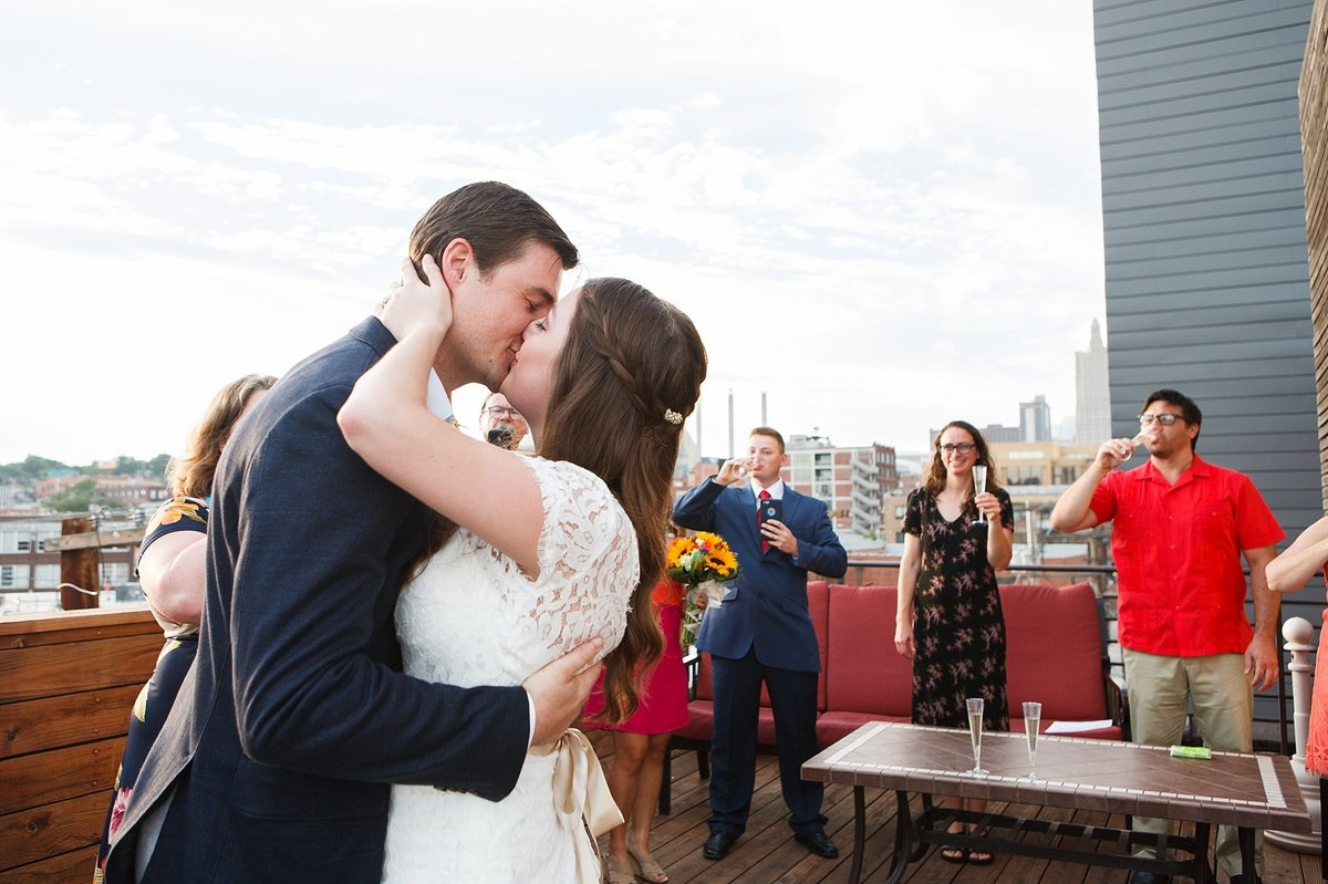 00078kansas_city_rooftop_wedding