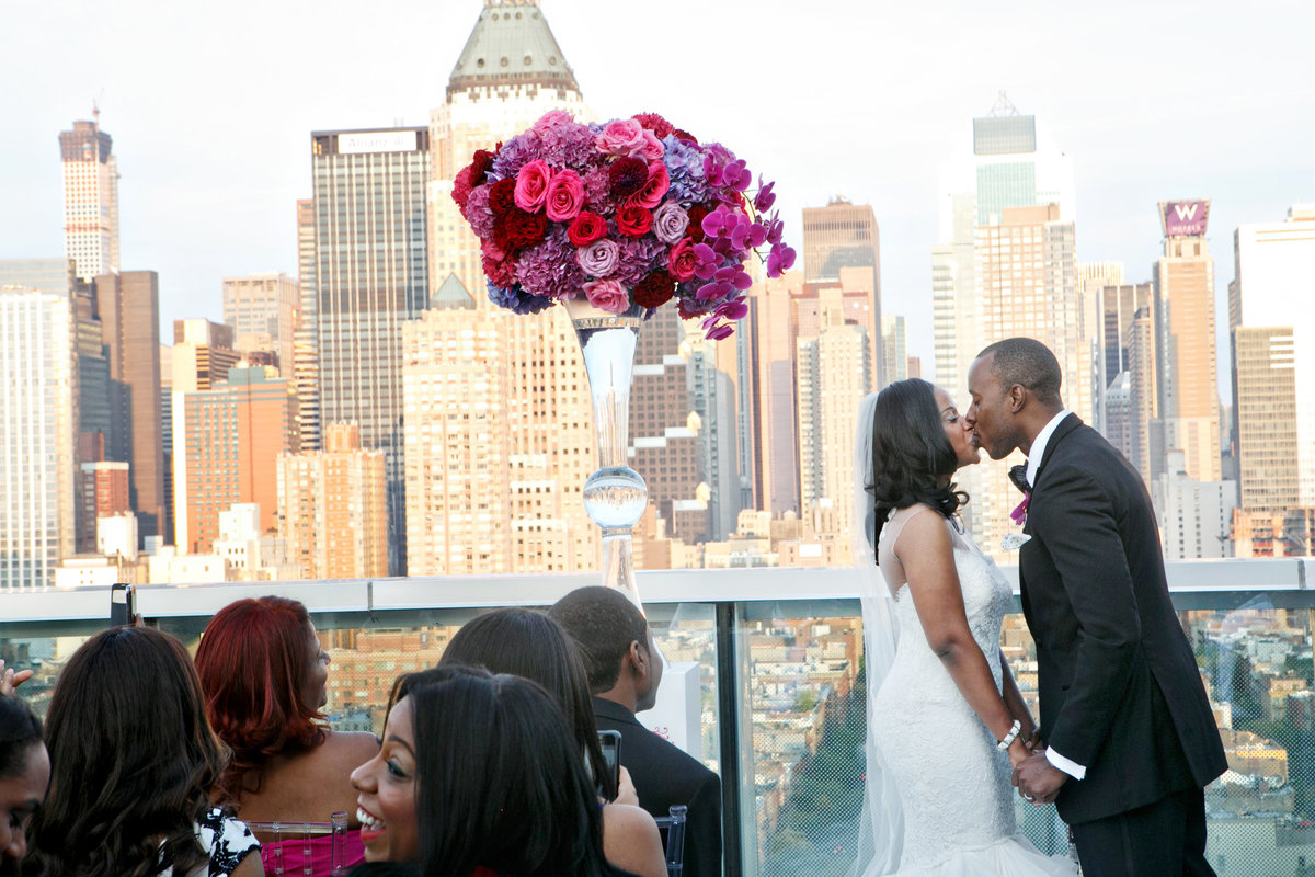 AmyAnaiz__Intimate_Elopement_Wedding_Ink48_Rooftop_Mantattan_New_York015
