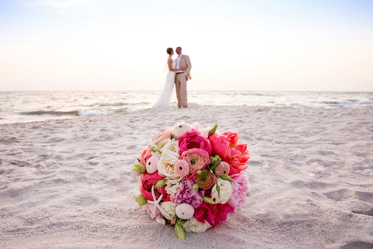 ritz carlton naples florida wedding photo bouquet in sand