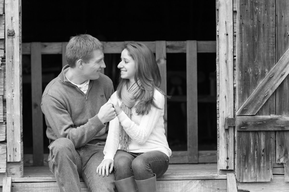 richmond_virginia_fall_engagement-10