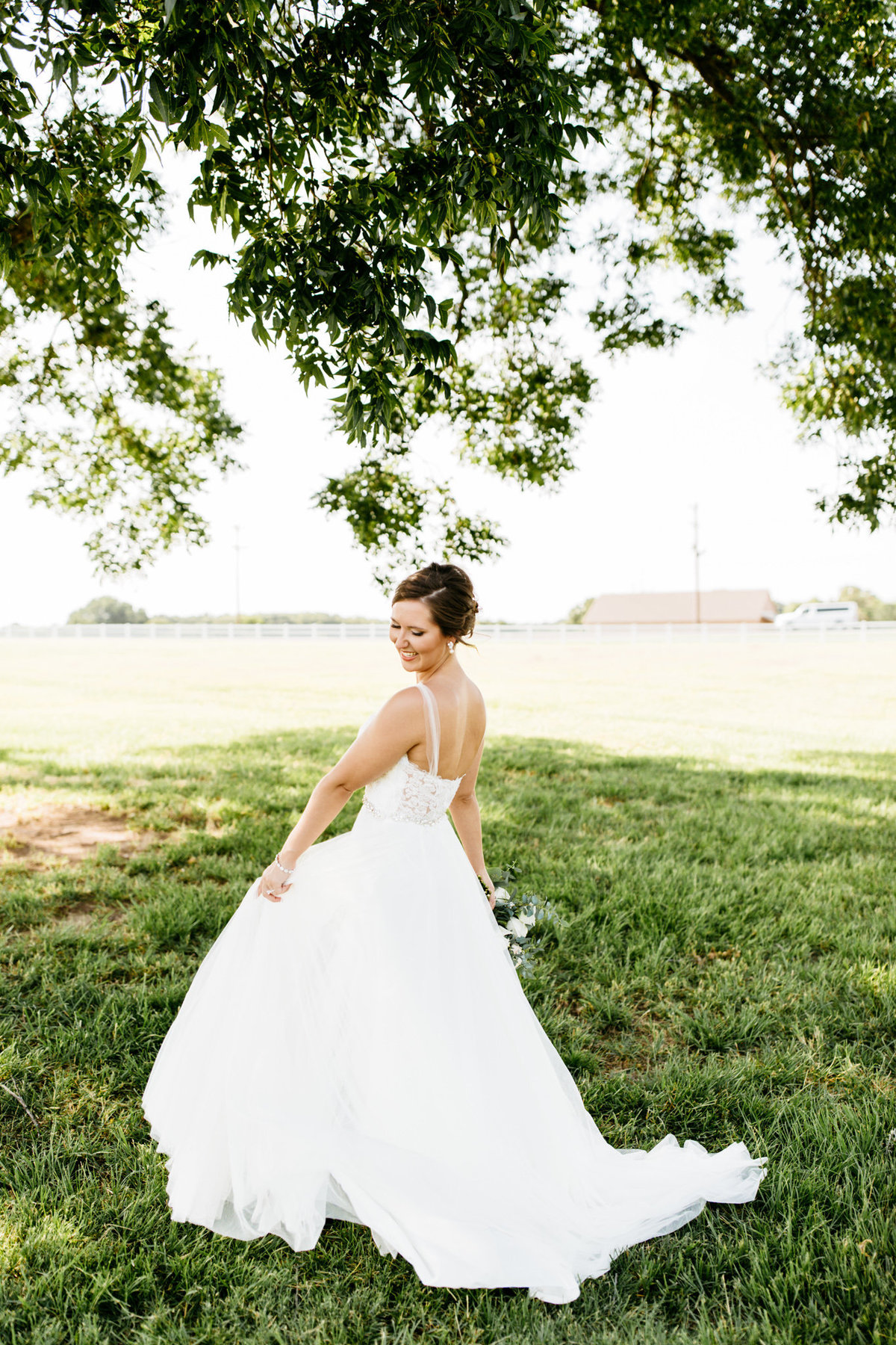 Alexa-Vossler-Photo_Dallas-Wedding-Photographer_North-Texas-Wedding-Photographer_Stephanie-Chase-Wedding-at-Morgan-Creek-Barn-Aubrey-Texas_28