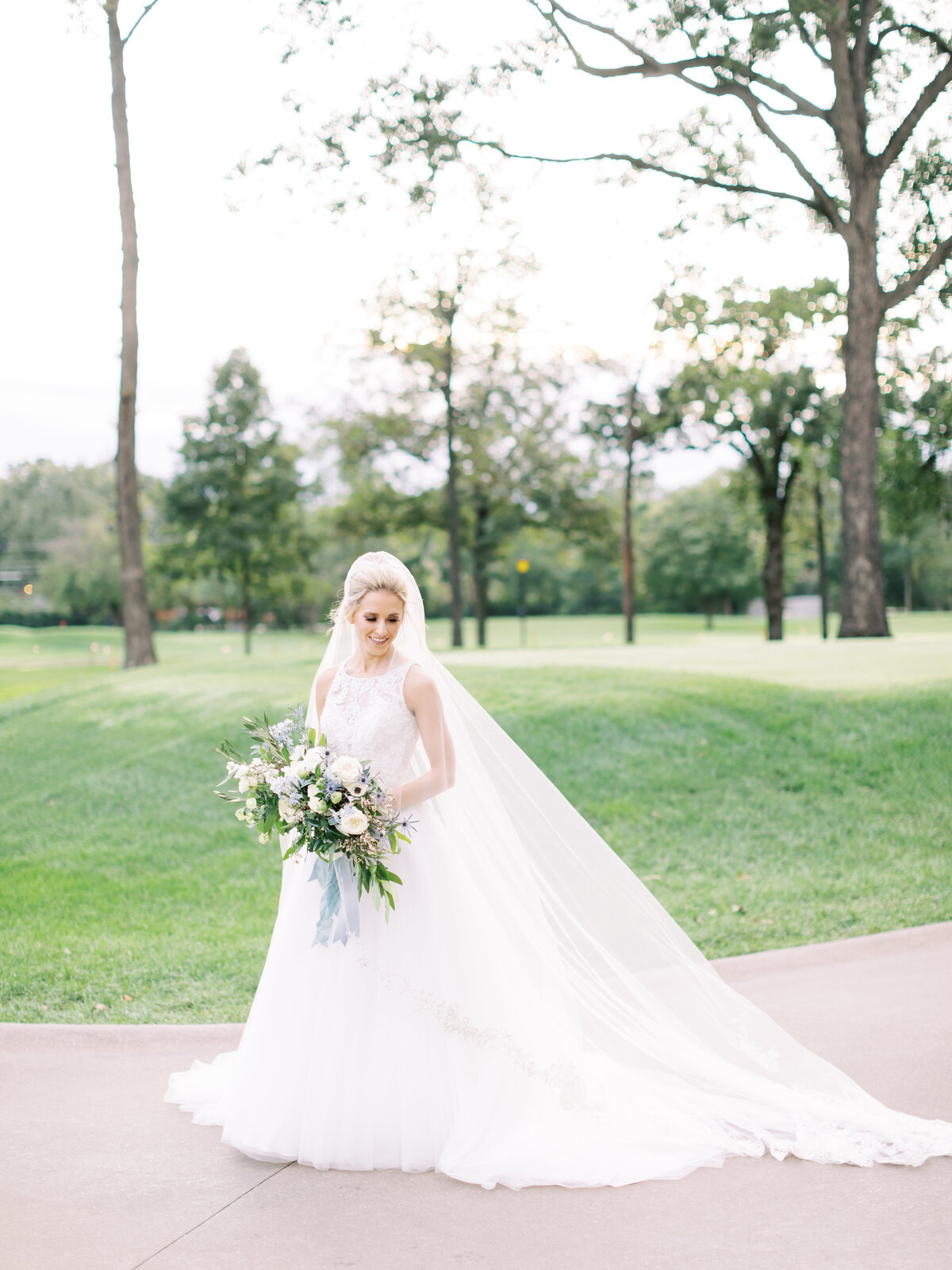 TiffaneyChildsPhotography-ChicagoWeddingPhotographer-Caitlin+Devin-MedinahCountryClubWedding-BridalPortraits-27