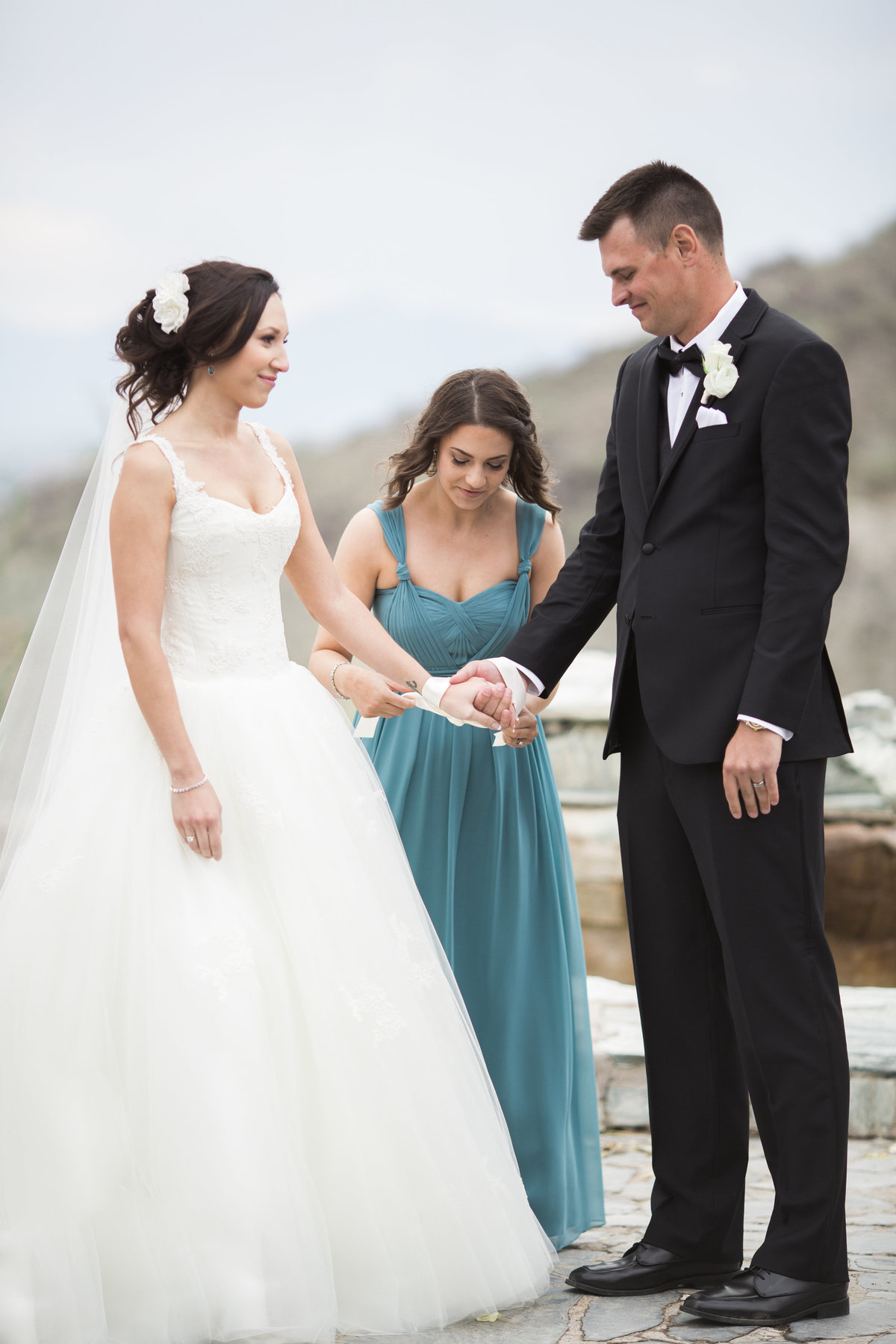 Keely_FJ_2100Tapatio_Cliff_Pointe_Hilton_Different_Pointe_Of_View_Wedding