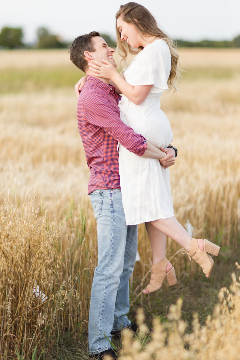 Ottawa-Wedding-Photographer-engagement-session-experimental-farm-ottawa-5