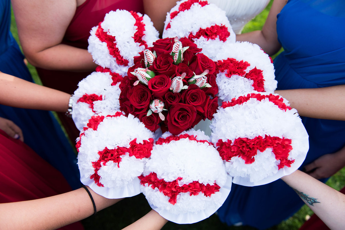 Cubs-themed bridal party bouquets, Chicago wedding.