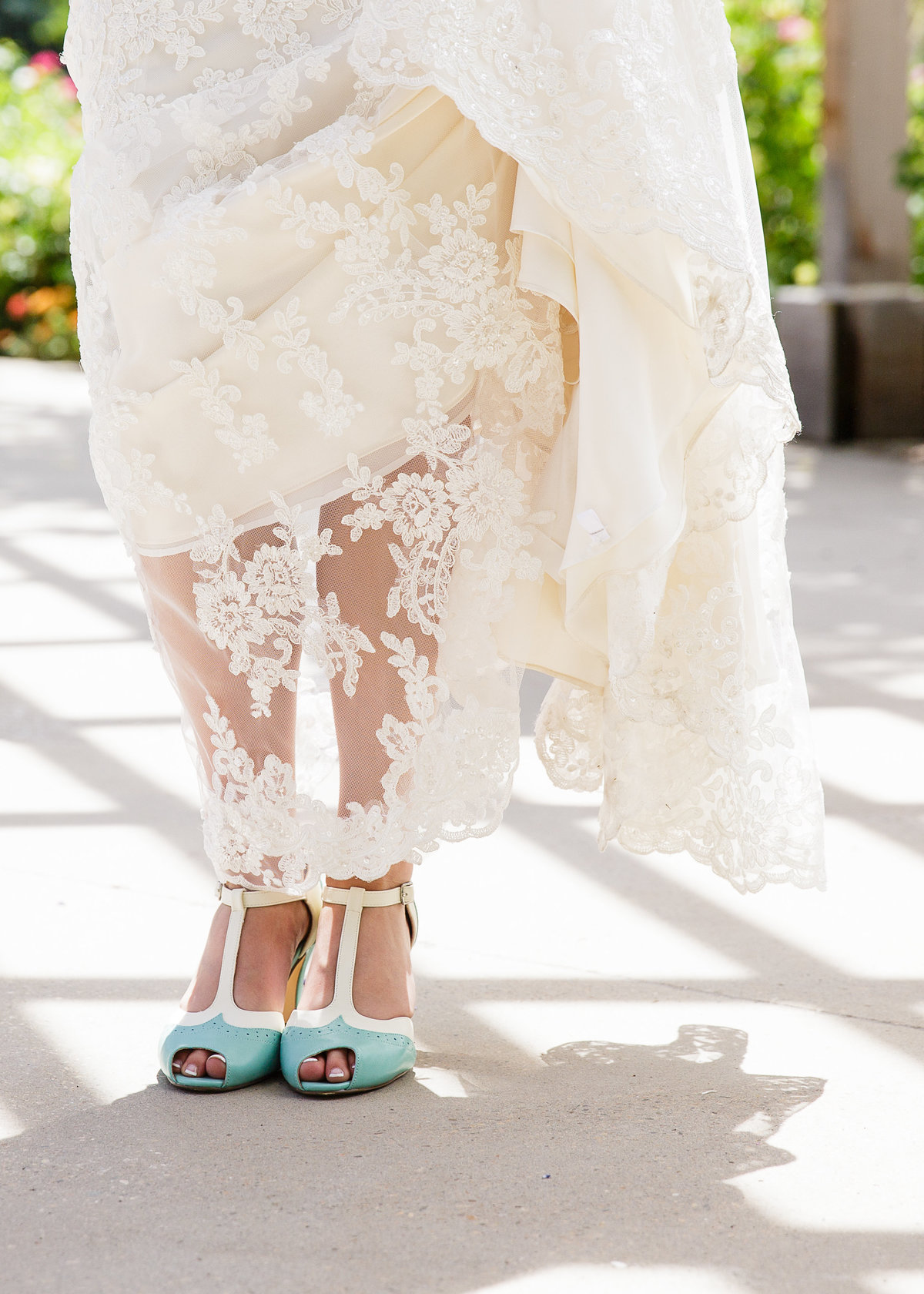 brides-details-dress-shoes